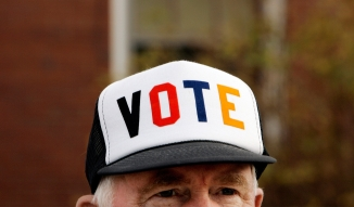 photo-man-hat-vote